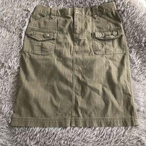 COLUMBIA utility style skirt -side & back pockets